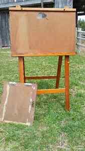 BARN TREASURES! ARTIST EASEL