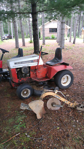Allis-Chalmers Lawntractor 16hp (1975)