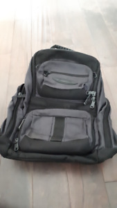 Unisex Black Laptop Backpack w/ Multiple Compartments -Like New