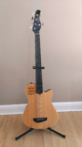 Godin A5 SA fretless 5 string Bass