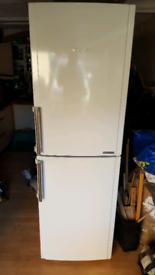 Hotpoint Fridge Freezer FFFL1810