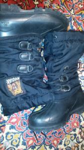 Kodiak Woman US 7 Boots