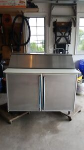SILVER KING 4 FOOT STAINLESS SALAD BAR