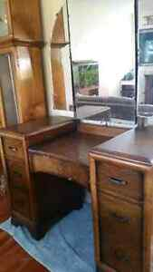 ANTIQUE VANITY DRESSER Peterborough Peterborough Area image 1
