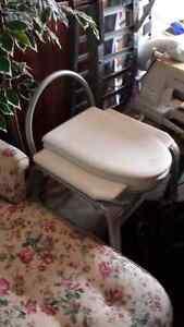 Commode bedside chair