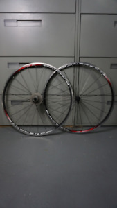 Fulcrum Clincher Wheelset w/ Shimano 105 10 speed 11-28t casette