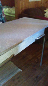 RETRO FORMICA KITCHEN TABLE