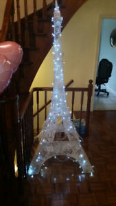 GIant Size Eiffel Tower for sale Almost 8 FEET Tall with Lights