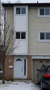 3 bedroom townhouse available dec 1st!