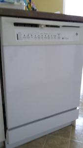 Lave-vaisselle General Electric Tri Clean Quiet Power II