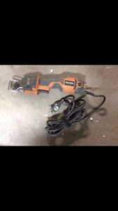 RIDGID R3030 SawSall/scie reciproque IN PERFECT CONDTION