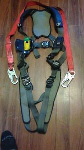 For sale Both Fall Arrest Harness& Lanyard St. John's Newfoundland image 1