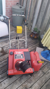 Toro snowblower and gas can for sale / trade