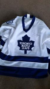 Cujo autographed Leafs jersey