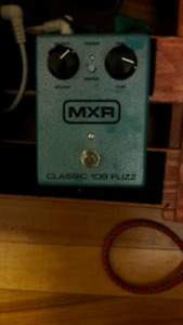 Phaser, wah, fuzz and footswitch