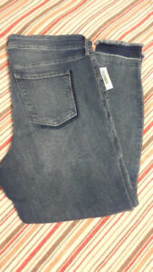 BRAND NEW WITH TAGS SZ 20 OLD NAVY ROCKSTAR STRETCH JEANS -