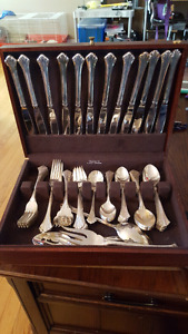 "Reed & Barton ""Highlands"" Silverware Set"