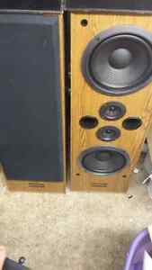 Pioneer Speakers CS-J505Q.