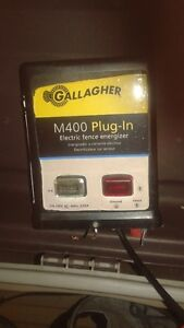 GALLAGHER M400 ELECTRIC FENCER