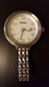 Lightly Used Women's Fossil Boyfriend Watch