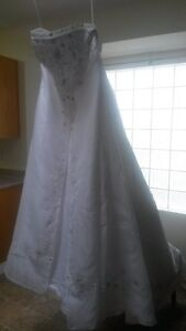 never worn size 20 wedding gown
