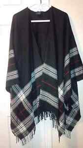 Lord &Taylor New Poncho - for sale !