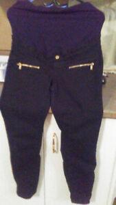 Vêtement  de maternité (pantalons et chandail)