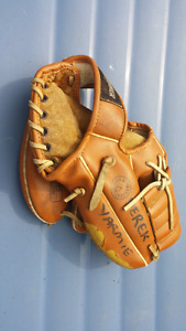 Youth baseball glove - only $2!
