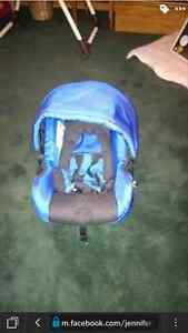 Quinny Carseat and base