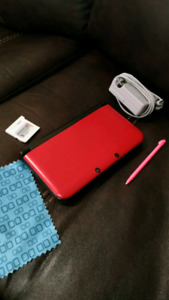 3DS XL, charger and Mariokart 7