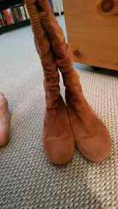 UGG SLOUCH BOOTS Peterborough Peterborough Area image 2