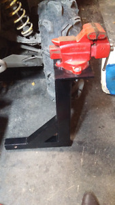 Home made hitch vice