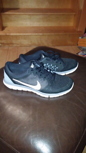 Nike Flex 2015 Run. Mens Size 9.5