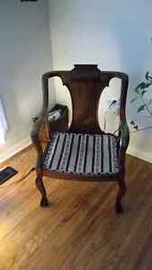 Beautiful antique chair and bench. Kingston Kingston Area image 3