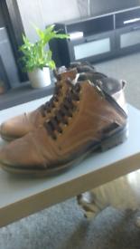 Pegada boots size 8