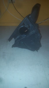 Bmw e46 stock air box and air filter great condition