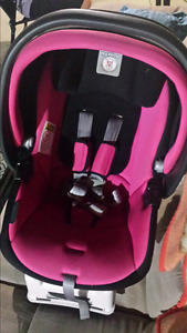 PEG-PEREGO PINK AND BLACK BABY CAR SEAT WITH BASE