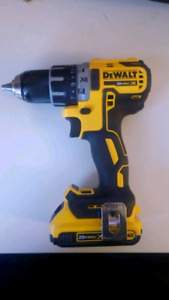 Like New Dewalt Drill with NEW battery
