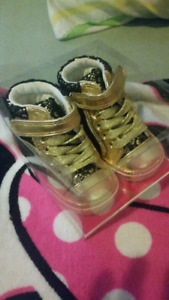 Juicy Couture baby shoes / Brand new never worn