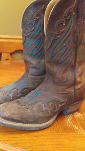 REDUCED! Womens cowboy boots!