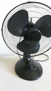 "16"" Black Table Fan! PICK UP ONLY"
