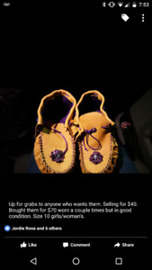 Purple Woman's size 10 Mocassins