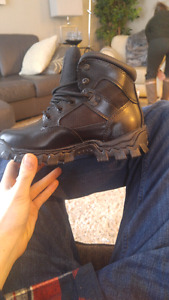 Rocky steel toed boots never been used