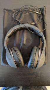 Skullcandy Hesh 2 Wired Over-Ear Headphones with Microphone