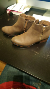 Women's ankle high leather boots