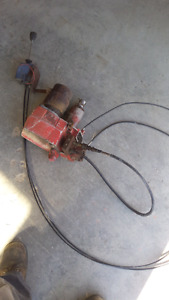 Snow plow lift cylinder