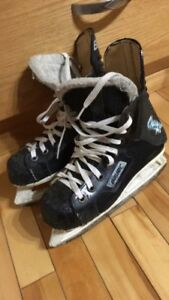 Bauer Charger Skates Size 1
