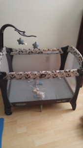 Graco play pen with musical