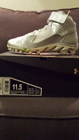 Souliers/Cleats Under Armour **NEUF** pour 50$