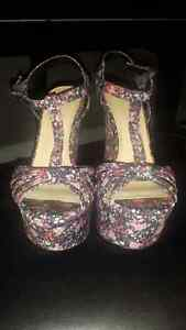 Le Chateau Floral Wedge Heels  London Ontario image 2